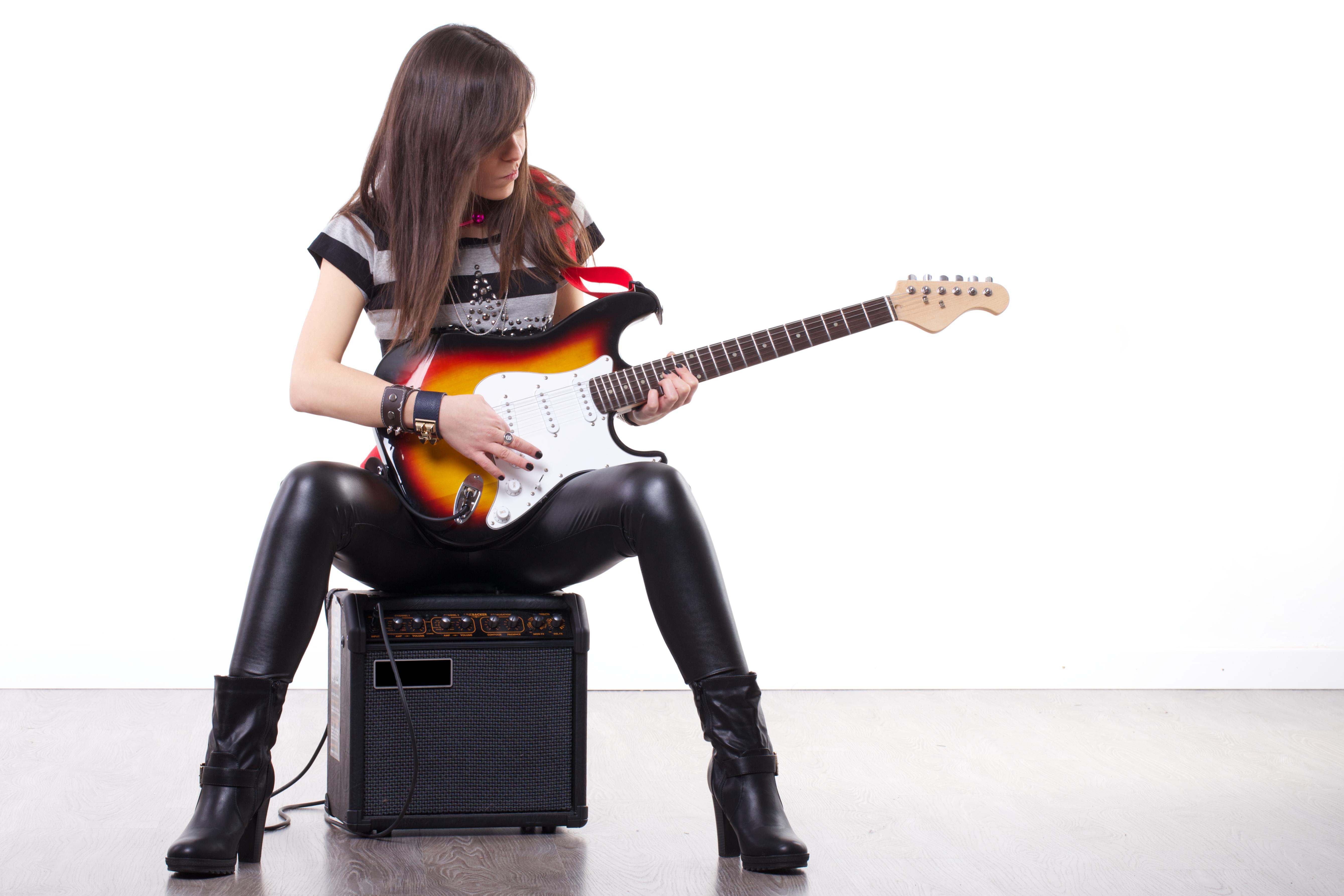 guitar player coustii. Black Bedroom Furniture Sets. Home Design Ideas