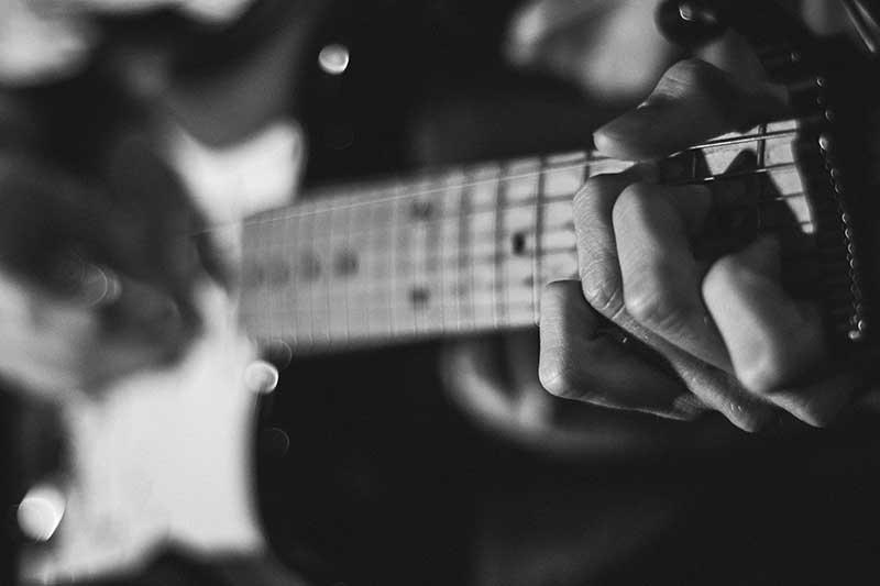 best starter guitar